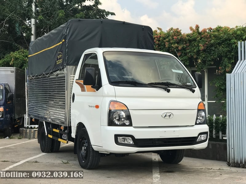 Hyundai Porter 150 thùng mui phủ bạt